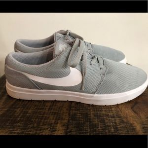 Nike SB Grey Sneakers in GUC